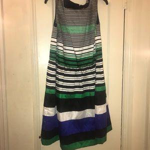 Woman's size 18 sleeveless dress.